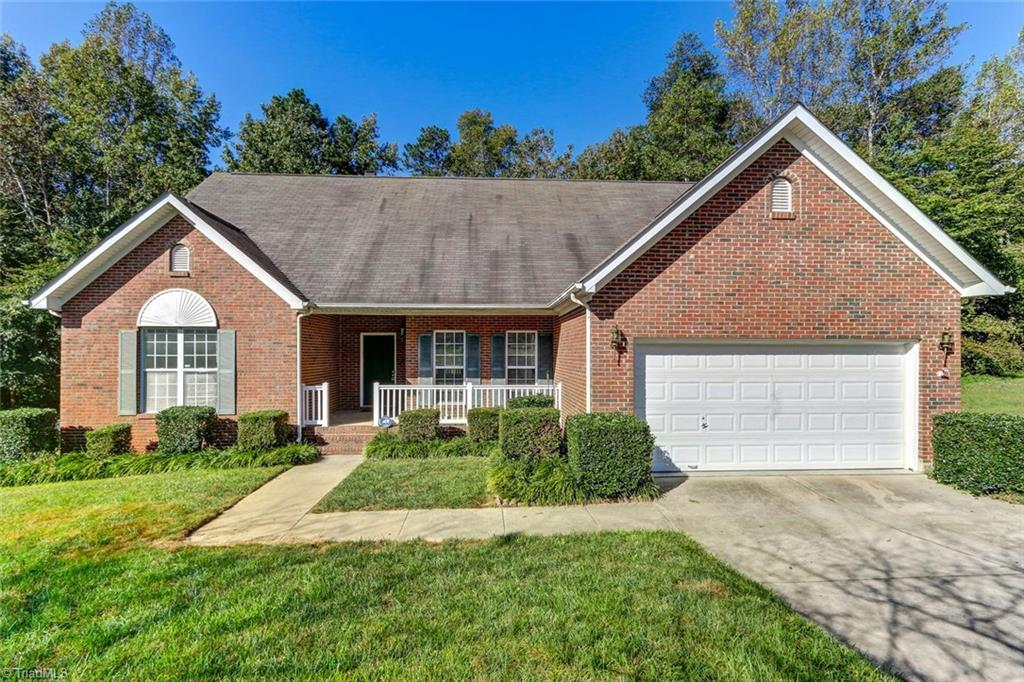 3086 Brookforest Drive | Greensboro, Guilford County, NC 27406